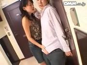 三十路美人妻が隣人のチンポをフェラチオしまくるいけない関係動画